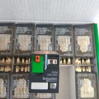 施耐德中间继电器 RXM2LB2BD