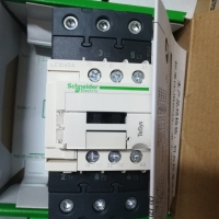 施耐德接触器LC1D50AE7C