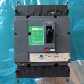 施耐德塑壳断路器  CVS250N TM200D 断路器 插入式 - 4P/3d